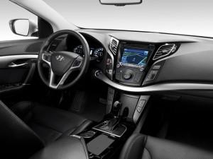 Hyundai i40 – В салоне водителя порадует удобная рулевая колонка